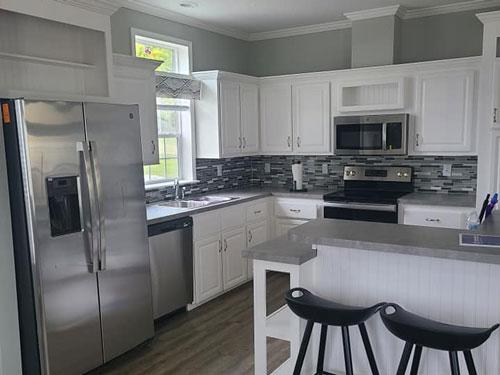 Kitchen of Model Zephyr